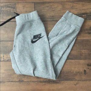Nike Pants - Nike sweatpants ✨